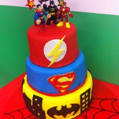 Superhero cake--great for Spencer's birfday!!! I can do it!!! so what if it's a little off