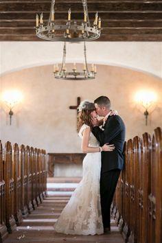Beautiful shot. Photo: Rachael Hall Photography via San Antonio Weddings