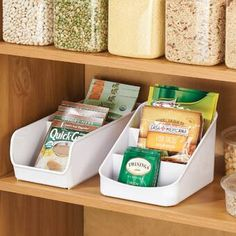 Rebrilliant Add instant organization with this Packet Organizer. This organizer is great for storing spice packets, instant hot cocoa and tea packs and more. Kitchen Organization, Kitchen Storage, Food Storage, Organization Ideas, Storage Ideas, Storage Solutions, Organizing Ideas For Kitchen, Under Kitchen Sink Organization, Pantry Organisation