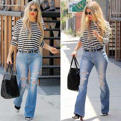 Клеш набирает обороты. Вот и Ферги присоединилась к этому модному тренду. Она была замечена в аэропорту Лос-Анжелеса в рваных расклешенных джинсах Joe's с высокой посадкой, которые она сочетала с полосатой кофтой и ботильонами Лабутен.
