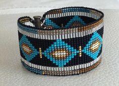 Découvrez Bracelet manchette en perles miyuki style indien bohème  sur alittleMarket