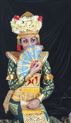 Indonesian woman wearing traditional festive dress Indonesian Women, Festival Dress, Festive, Captain Hat, Women Wear, Culture, Traditional, Woman, Hats
