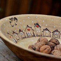 obří mísa s příběhem-zima na vesnici/ rezervace / Zboží prodejce lavender Pottery Houses, Ceramic Houses, Ceramic Clay, Ceramic Plates, Pottery Plates, Slab Pottery, Ceramic Pottery, Pottery Art, Pottery Painting