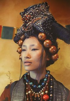 "Tibetan Losar - fashion photo: ""Another year gone by"", Tibetan style, portrait of a woman of the world, Asian - Headdress, Headpiece, Beautiful People, Beautiful Women, Beautiful Eyes, Foto Real, Beauty Around The World, Interesting Faces, Ethnic Fashion"