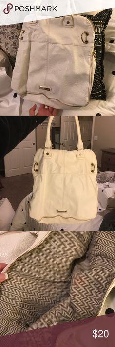 Steve Madden bag/purse Few scuffs. Adorable fashionable bag :) Bags