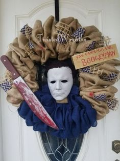 Halloween Designs, Scary Halloween Wreath, Scary Halloween Decorations, Outdoor Halloween, Halloween House, Holidays Halloween, Halloween Crafts, Halloween Camping, Spooky House