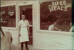 Big shout-out to one of Kansas City's BBQ masters, Earl Quick. Quick's had their anniversary this week! Bbq Kansas City, Kansas City Restaurants, Bbq Places, May I Help You, Smoke Grill, Bar B Q, City People, Best Bbq, Missouri