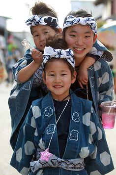 Good friends - Kakegawa, Shizuoka, Japan. 三熊野神社祭 Mikumano shrine festival.