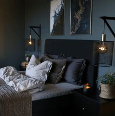 Black Bedroom Design, Black Bedroom Decor, Room Ideas Bedroom, Blue Bedroom, Cozy Bedroom, Home Decor Bedroom, Cosy Bedroom Ideas For Couples, Navy Gold Bedroom, Dark Bedrooms