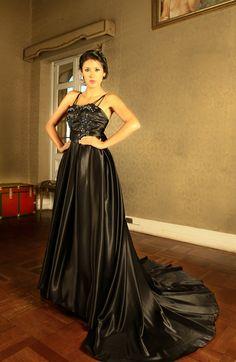 Vestido CORINNA de PAVO REAL by OBEIDA MEDINA. Disponible en nuestro ShowRoom.