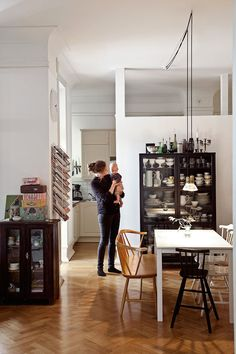 A striking, relaxed family home in Malmö, Sweden belonging to interior designer Helen Sturesson. Photo: Bodil Johansson.
