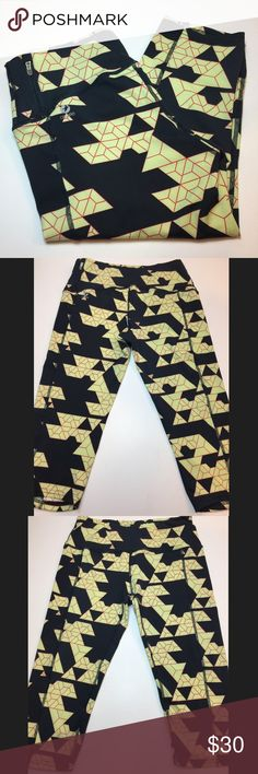 NWOT Oiselle Molecular Print Crops New without tags. oiselle Pants Ankle & Cropped