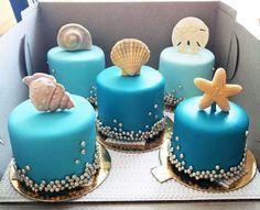 love these mini beach wedding cakes! ~  we ❤ this! moncheribridals.com