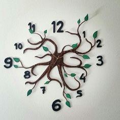 Reloj de pared de cartón #diy #manualidades #reloj #carton #hechoamano