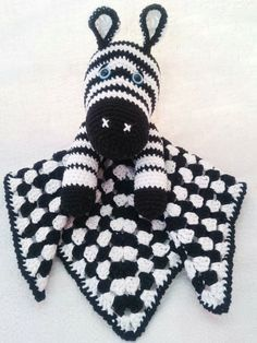 Zebra baby cozy FREE crochet pattern