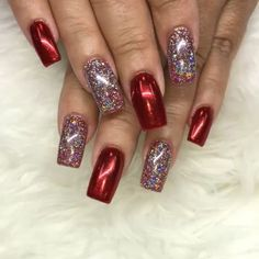 40 stunning xmas nails to make you feel festive Red Sparkle Nails, Fancy Nails, Red Nails, Colorful Nail Designs, Acrylic Nail Designs, Nail Art Designs, Acrylic Nails, Nails Design, Xmas Nails