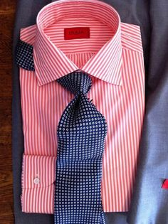 The ultimate shirt and tie combinations. Suit Fashion, Look Fashion, Fashion Outfits, Mens Fashion, Gentleman Mode, Gentleman Style, Sharp Dressed Man, Well Dressed Men, Shirt And Tie Combinations