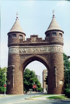 Soldiers and Sailors Arch. Bushnell Park, Hartford, Connecticut. 2001. photo by Steve Golse.