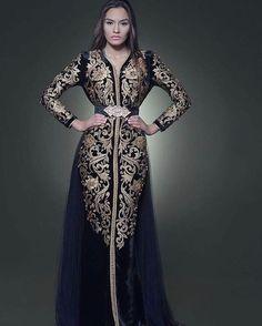 Romeo ....Oh Romeo... Perfect.  @Regrann from @romeo_couture_officiel -  @romeo_couture_officiel  الابداع @nano_photography_  @sissiavecromeo @romeocoutureuae #fashion #top #fashionstyle #moda #fashion #doubai #doubleexposure #dobletentacion - #regrann