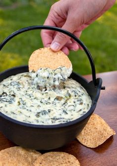 Spinach and Artichoke Dip cream cheese (reduced fat is ok) 16 oz light sour cream 1 stick tbsp) unsalted butter ? 2 cups shredded Parmesan cheese 14 oz quartered artichoke hearts, drained and coarsely chopped 4 oz can diced jalape? Dip Recipes, Appetizer Recipes, Snack Recipes, Cooking Recipes, Recipies, Appetizer List, Delicious Appetizers, Yummy Recipes, Cooking Tips