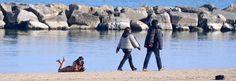 Civitanova: donna passeggia nuda sul lungomare - Spettegolando