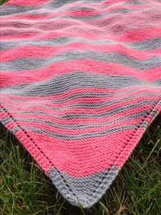 Striped baby blanket #knitting   7 de  enero  2015