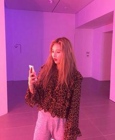 HyunA - Instagram: hyunah_aa
