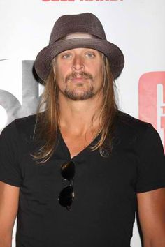 Kid Rock...bad boy HOTTIE!!!
