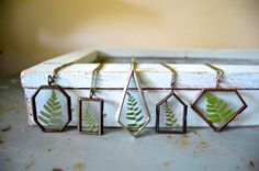 Forest Fern Glass Locket Necklace van TierraSolStudio op Etsy
