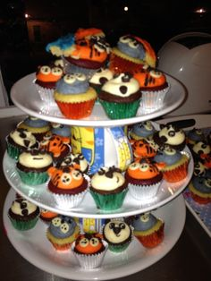 Tiny animals! Tart, Pudding, Cakes, Desserts, Animals, Food, Animales, Cake, Meal