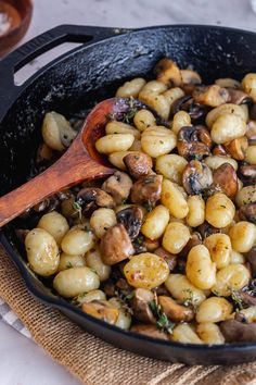 This mushroom gnocchi recipe has a rich buttery sauce flavoured with parmesan and thyme. It's a simple weeknight dinner with just a handful of ingredients. #thecookreport #mushroomgnocchi #gnocchirecipe #vegetarian Gnocchi Recipes, Pasta Recipes, Cooking Recipes, Pasta Sauces, Skillet Recipes, Cheese Recipes, Vegetarian Recipes Easy, Healthy Recipes, Delicious Recipes