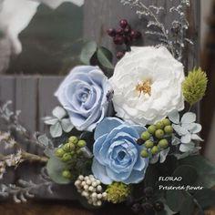 #천일동안 #시들지않는꽃 #플로랑 #프리저브드플라워 에요~ #예쁜꽃 보며 #힐링 하러 #블로그 에 놀러오세요 http://florao.kr #빈티지 #우드 #액자 를 소개합니다. #프랜치마리안 #라넌큘러스 #장미 등 다양한 소재와 #열매 를 사용했답니다. #감성꽃집 #인테리어 #감성사진 #일상 #꽃스타그램 #플로리스트 #취미 #플라워클래스 #원데이클래스 #원데이레슨 #preservedflower #florao #flolist #flowerdeco #flowerkorea #flowerlesson