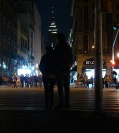 """AUDELO PACHECO  EDUARDO  SALVADOR   """"EN LA CALLE""""  23/01/16 APERTURA 3. 0 VELOCIDAD 1/1. 3 ISO 100 Besties, Times Square, Random, Travel, Night Photography, Aperture, Nocturne, El Salvador, Street"""