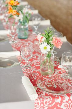 pretty patterned runner. such a lovely way to add a pop of color to your tables!