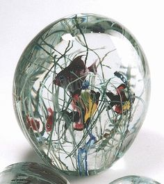 Art-Glass paperweight. Large Aquarium with fishes. Very beautiful look. Nice bright colours.♥♥