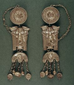 Pair of earrings, 2nd-3rd Century AD, Roman