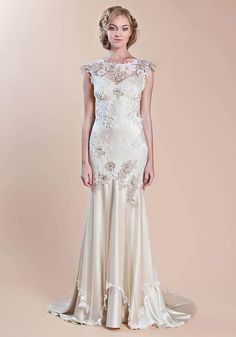 Pretty sure this is the dress! claire Pettibone - Couture Bridal l Wedding Dresses, Bridal Gowns, Fashion Designer, Veils, Accessories Claire Pettibone, Bridal Collection, Dress Collection, Bridal Gowns, Wedding Gowns, Gatsby Wedding, Fashion Designer, Blog Planning, Used Wedding Dresses