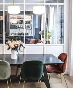 dining area with velvet chairs in home of Morgane Sézalory, Sézane fashion boutique founder. Dining Room Design, Dining Room Chairs, Dining Area, Dining Table, Home Interior, Interior Design, New Furniture, Room Decor, House Design