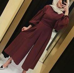 style e – Hijab Fashion 2020 Hijab Outfit, Hijab Dress Party, Hijab Style Dress, Hijab Chic, Dress Outfits, Modern Hijab Fashion, Hijab Fashion Inspiration, Muslim Fashion, Modest Fashion