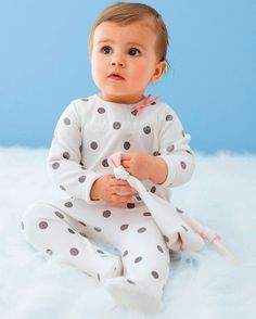 Baby pyjamas with feet. Sold with a cuddly toy | R Baby | 199,-