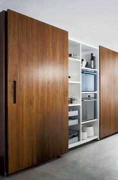Einrichtungsideen für die Wohnküche: Küchenschränke mit Schiebetüren ...
