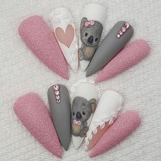 """"""""""" """"your success is our reward"""" – Ugly Duckling Nails Inc. """""""" Beautiful hand painted Koala nails by Ugly Duckling Family Member 😍 Ugly Duckling Nails is dedicated to keeping love, support, and positivity flowing in our industry ❤️ """""""" Nail Art Disney, Disney Acrylic Nails, Summer Acrylic Nails, Best Acrylic Nails, Dream Nails, Love Nails, Pink Nails, Nails Inc, Gel Nails"""
