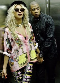 1e76f043abbe9 Beyonce Knowles wearing Quay Eyeware Ohmi Sunglasses in Leopard