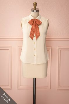 Ollie - Cream blouse with butterfly pattern on bow