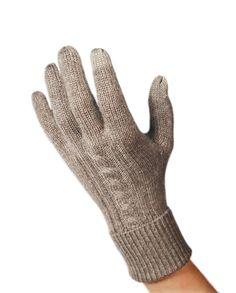 Elegante Kaschmir Handschuhe in hochwertiger Kaschmir Qualität. Entdecken Sie bei uns unsere 100% Kaschmir Produkte zu unschlagbaren Preisen. Elegant, Gloves, Fashion, Cashmere, Products, Classy, Moda, Chic, Fashion Styles