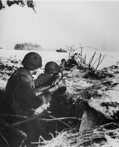 Troopers of the 506th in the Bulge, winter 1944/45