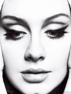 Adele love her Cat eye makeup