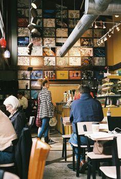 Залог успеха любого кафе или ресторана - это не только свежие продукты и вкусная еда, но и атмосфера ...