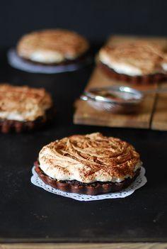 Easy chocolate meringue pie - Tarta fácil de chocolate y merengue - Dulces bocados