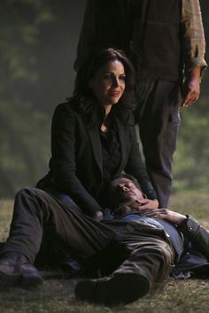 "Regina and Robin in 5x02 ""The Price"""